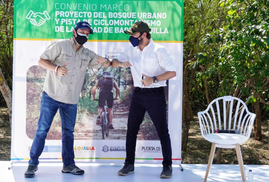 El Ministro de Deportes Ernesto Lucena y el alcalde de Barranquilla Jaime Pumarejo